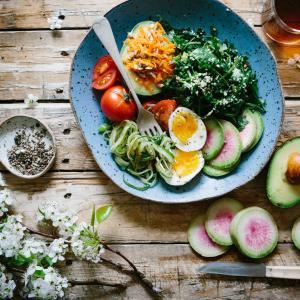 朝ご飯を食べないと太る?痩せ体質になるには食事のリズムと睡眠が大事