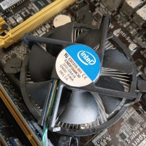 CPUクーラー替えてみるかな