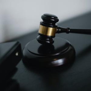 弁護士に依頼せず自分で労働審判