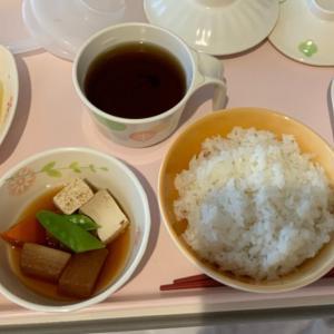 病院食 魚の天ぷらと煮物