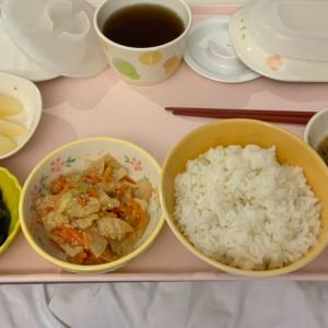 病院食 時雨煮とキャベツサラダ