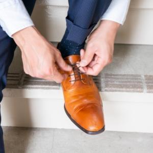 結婚式服装男性靴下のマナーとは?色・柄・長さなど選び方のポイント