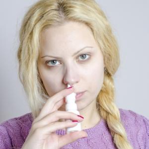薬局で売っている市販の点鼻薬の使いすぎは良くない?