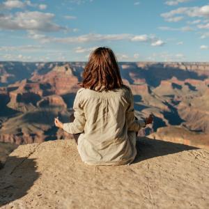 【集中力続かない方必見!】集中力を上げる瞑想のやり方