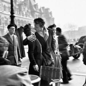 *パリ市庁舎前のキスと一枚の写真*