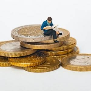 30代独身の平均年収・平均支出を考えてみる【家計管理・資産運用】