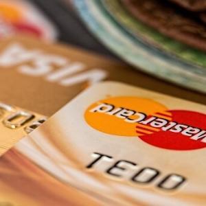 クレジットカードとは?特徴や仕組み、メリット、注意点を解説。