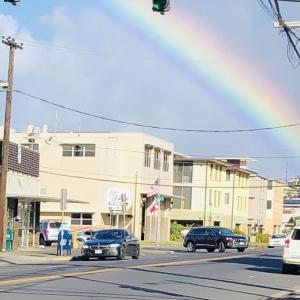 日本の軽バンとイースター ハワイ公立高校卒業式情報