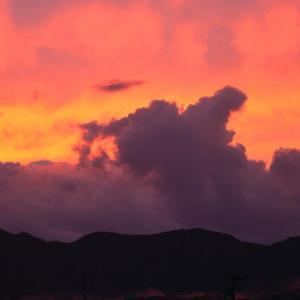 夕焼け雲を撮る