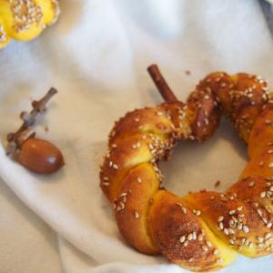 【レシピあり】モラセス&シナモン香るかぼちゃの甘ーいシミット●ハロウィンに!低温長時間発酵でトルコのパンをおいしくアレンジ
