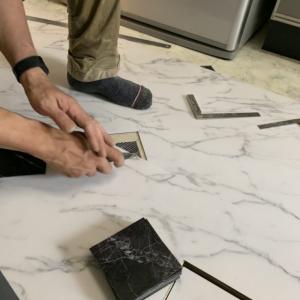 石調の床に貼り替え