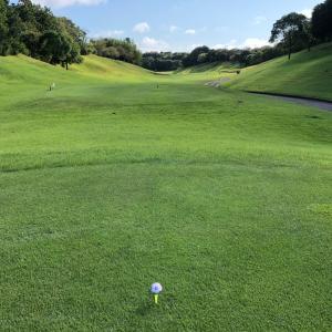 そもそもゴルフ場は、錯覚を起こさせる設計になっている♪(3H第3打)