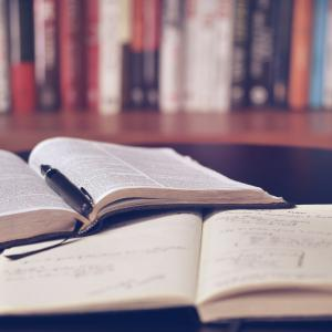 【受験生必見です】意外と知らない英文法の正しい勉強法とオススメ参考書2選!