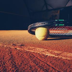 テニスを始める前にそろえたい道具類とその選び方 テニスに関する基本的な知識①」