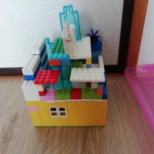 友達とレゴで遊んだよ