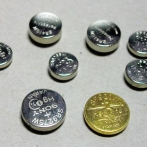 ボタン電池の捨て方「セロテープで絶縁」家電量販店やホームセンターでも引き取ってくれる