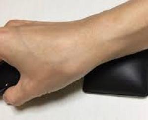 マウス操作 腕が痛い