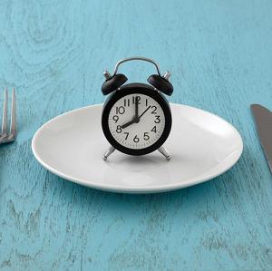 ダイエット 食事抜き 効果