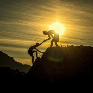 詰まらない見栄やプライドは捨てさること、助けて欲しい時の対処法