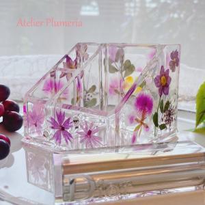 押し花のコスメオーガナイザーでコスメ周りを素敵に収納