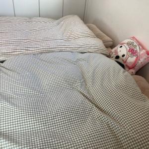 「お留めさん」でベッドの隙間を埋めました