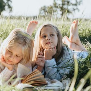 お友達につきまとう子供…2歳や3歳のお子さんへの悩み…解決方法を一緒に考えてみませんか?