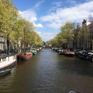 アムステルダムは、コンパクトで歩いて回っても主要な観光地は回れます