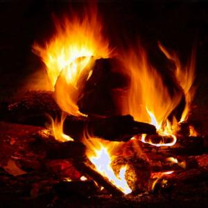 【不思議】夜中の焚き火