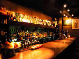【ホラー】バーで女性が話かけて来たから一緒に飲んでたら・・・