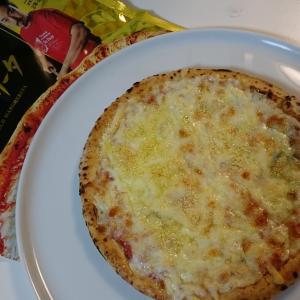 コンビニの冷凍ピザ