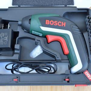 ボッシュの電動ドライバー、IXO5は初心者に超おすすめです。