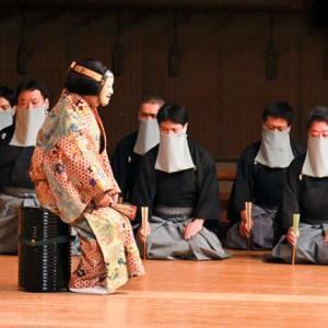 舞台でマスクする時代、工夫重ねたその形は:朝日新聞