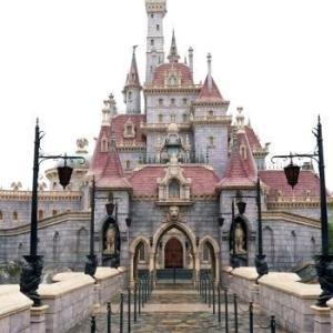 ディズニー本拠地でリゾート事業従業員 2万8千人レイオフ