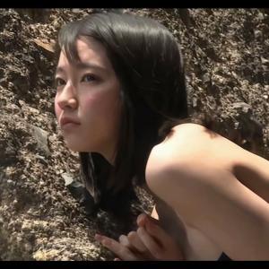 【 吉岡里帆 】 乳首がくっきり浮き出たグラビア撮影シーンの裏側
