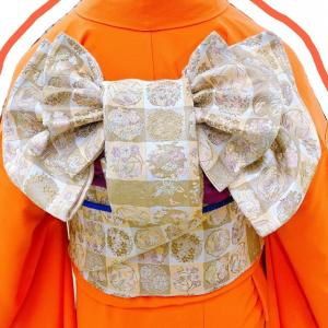 【着付け】振袖の着せ方(伊達衿の付け方)と改良枕の揚羽蝶