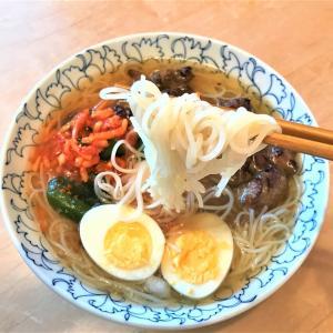 今日のお昼ご飯は韓国冷麺