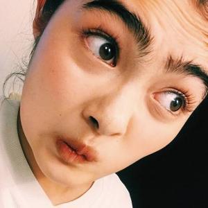 河野太郎の顔が怖いのは眉毛とどうらんメイク?昔の画像比較が衝撃!