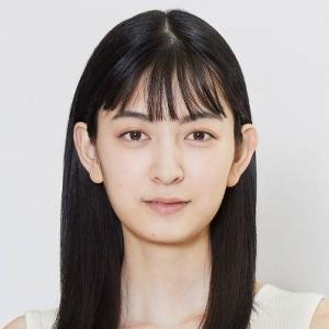 成田愛純がかわいい!小顔でスタイル抜群8.5頭身の画像と経歴が意外!