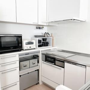 【ミニマリストのキッチン】不要だった設備【食器棚・蒸気排出ユニットいらない】