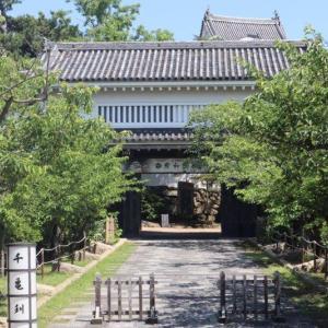"""<岸和田城>の""""櫓門""""を巡る"""