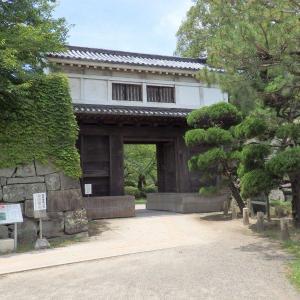 """<和歌山城>の""""櫓門""""を巡る"""