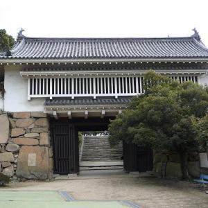 """<岡山城>の""""櫓門""""を巡る"""