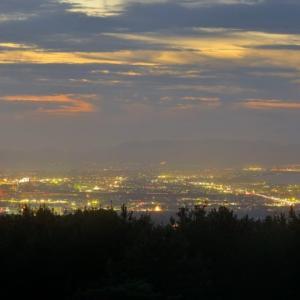 赤松眺海展望駐車場から米子市の夜景を見て来ました。