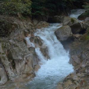 赤波川渓谷おう穴群 ~数々の甌穴を見られる自然豊かな渓谷~