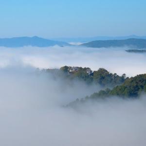 備中松山城の雲海 ~ 雲上にそびえる中世の城郭~