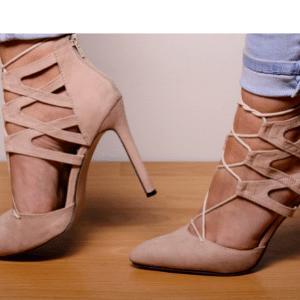 足のサイズが21cmとか26cmとか・・置いていかれがちな規格外