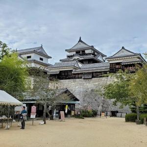 松山城でも一番守りが堅い天守閣へと攻め込む兵士の気分【愛媛旅行記⑧】