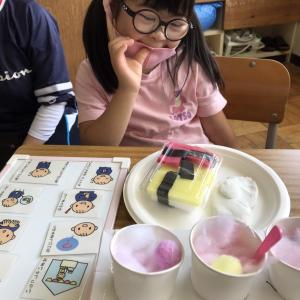 【まさかの大号泣!?】養護学校にて初めての参観日!1年生になったマナの学校生活は・・