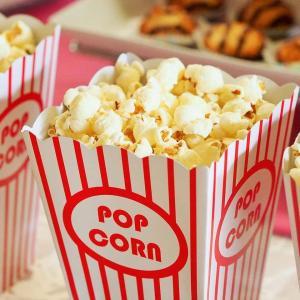 映画館でギリギリ許される食べ物
