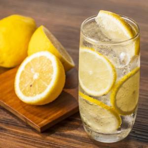 【レモンサワーの作り方動画5選】簡単にうまいレモンサワー!?